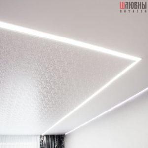 Комбинированный потолок с парящими линиями